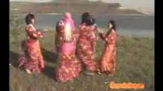 Repeat youtube video YÜKSEK YÜKSEK TEPELERE(ORJİNAL)KÖYLÜ GÜZELLERİ