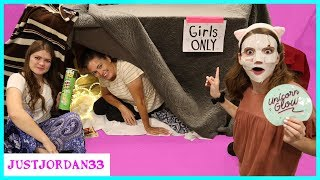 Girls Only Fort Party - No Boys Allowed / JustJordan33