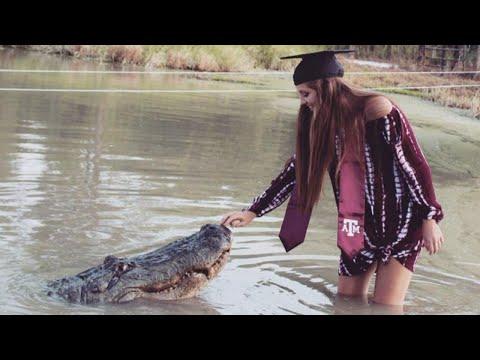 Texas College Student Takes Graduation Photos With Giant Alligator