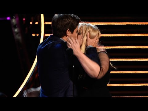 Rebel Wilson & Adam Devine Win Best Kiss At MTV Movie Awards 2016