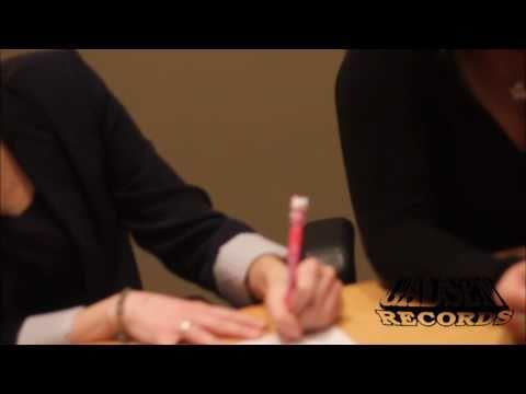Ali Schneider Signing at Warner Music HeadQuarters!! Mp3