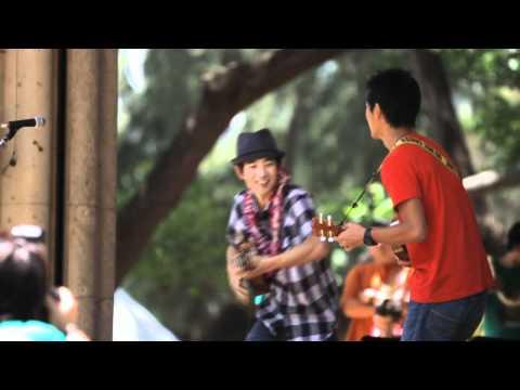 Jake and Bruce Shimabukuro - You Belong With Me (Taylor Swift cover)