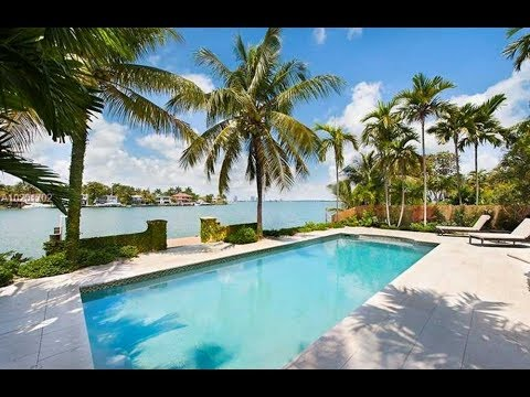 Venetian Islands Waterfront Homes - WiseCatRealtors.com