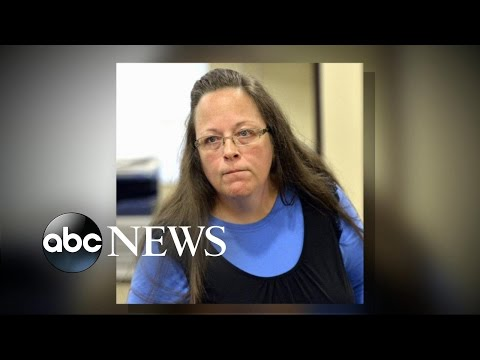 Kentucky Clerk Continues to Refuse Marriage Licenses to Couples