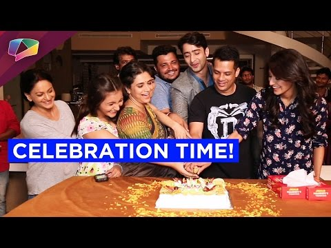 The Cast and Crew of Kuch Rang Pyaar Ke Aise Bhi celebrate 50 episodes