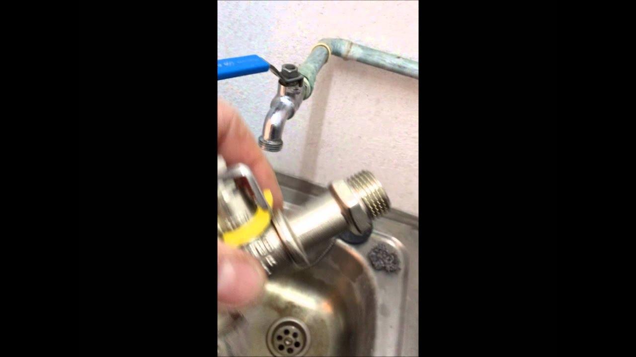 Cambiar un grifo o llave de corte sin cortar el ag youtube for Como cambiar empaques de llaves de regadera