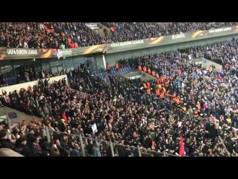 Schalke 04 - Ajax (Ajax supporters vieren feest)