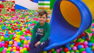 Влог идем в САМЫЙ Большой Развлекательный Центр для детей Игорек - Альпинист! Видео для детей