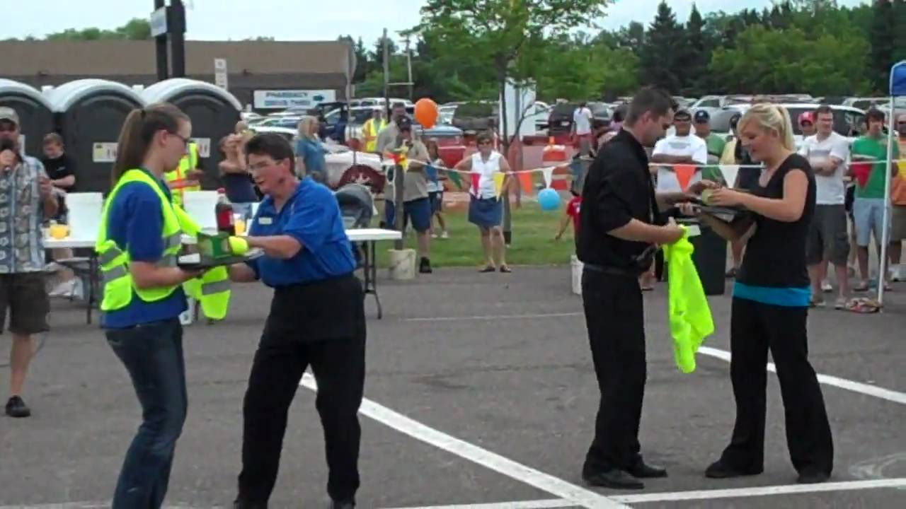 Ashland Bay Days Waiter Waitress Relay