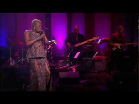 Angelique Kidjo sings Batonga Live