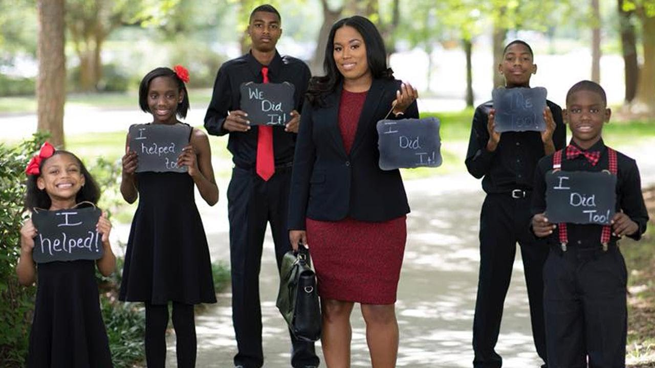 Single Mom of 5 Passes Texas Bar After Getting Law Degree