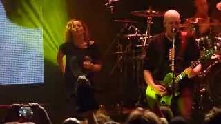 Devin Townsend & Anneke van Giersbergen - Addicted (live @ Effenaar Eindhoven 27.03.2015) 4/9