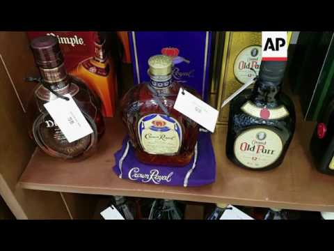 Raw: Cuba Opens 1st Post-Revolution Luxury Mall