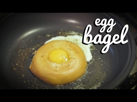 HEALTHY BREAKFASTS | Egg Cooked In a Bagel