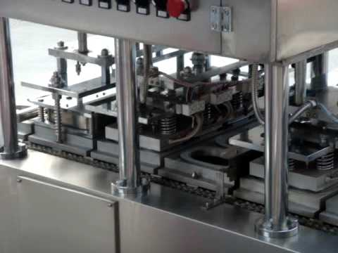 Self Heating Rice Filling Tray Sealing Machine