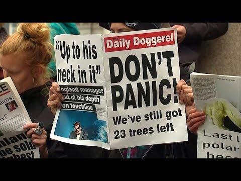 شاهد: نشطاء يحتجون أمام -بلاك روك- في لندن لأجل المناخ  - 22:56-2019 / 10 / 14