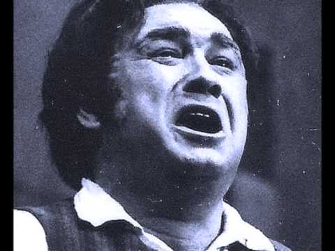 Robin Donald (tenor) sings Mamma This Wine Burns Like Fire
