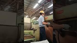 Merinding\\\x22beginilah suasana kerja di pabrik alat berat\\\x22