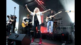 American Idol finalist Gabby Barrett spends the day in Pittsburgh