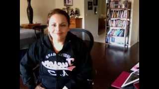 Karina Moreno cantando Pon Tu Mano Sobre Mi