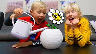 Сережа и Дарина ПОСАДИЛИ Странный цветок! Скетчи Family Kids