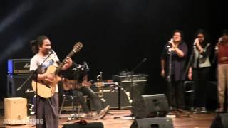 Payung Teduh - Menuju Senja @ Konser Amal Singing Toilet [HD]