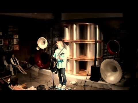 Robbie Calvo - Live In Japan - Ain't No Sunshine - Loop Solo & Vocals