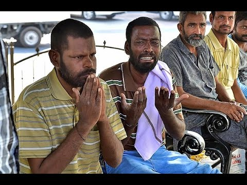 Homeless Indian workers sleep in Dubai park
