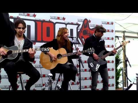 Love Bites Halestorm Acoustic At Download Festival 2012