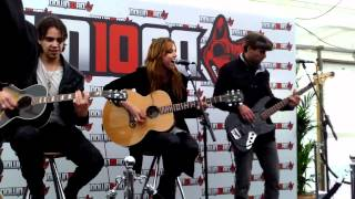 Love Bites Halestorm acoustic at Download Festival 2012