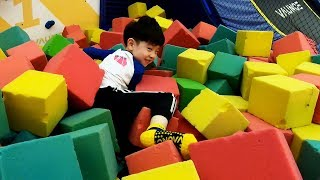 Indoor Playground Vaunce Trampolin Park NY Colors 뉴욕이랑 컬러