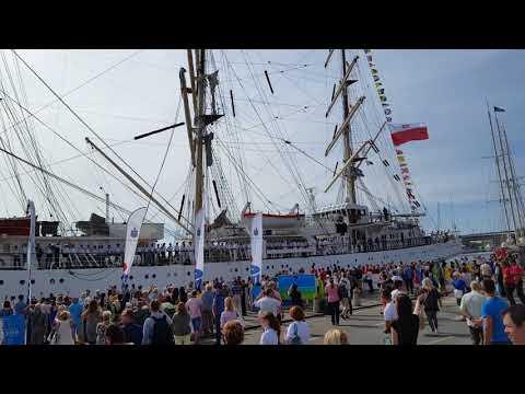 Tall Ships Races 2017 Szczecin Pożegnanie / прощание Sedova (Седов) i Daru Młodzieży (Дар Молодёжи)