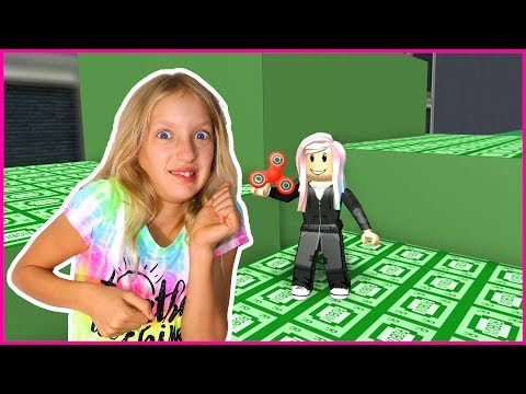 Robbing A Jewelry Store Roblox Obby Youtube