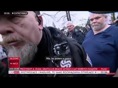 """Dziennikarka TVP wyzwana od """"gówna"""" i """"kurwy"""" przez tzw """"obrońców demokracji"""""""