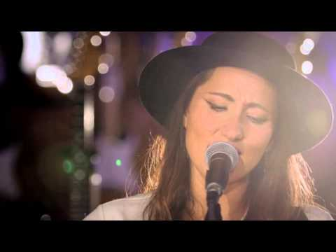 """KT Tunstall """"Made of Glass"""" At: Guitar Center"""