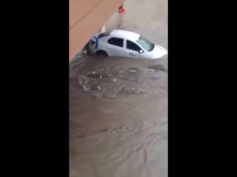 Tulcea. Mașini plutind