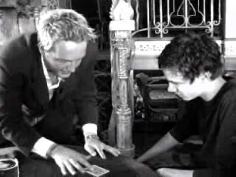 Graeme Shaw, North East Magician,Close up magic trailer