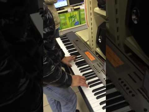 Пианино, супер, армянин играет))