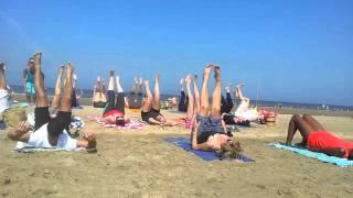 Yoga aan Zee bij Rapa Nui - zomer 2013 - deel 1: shake shake shake
