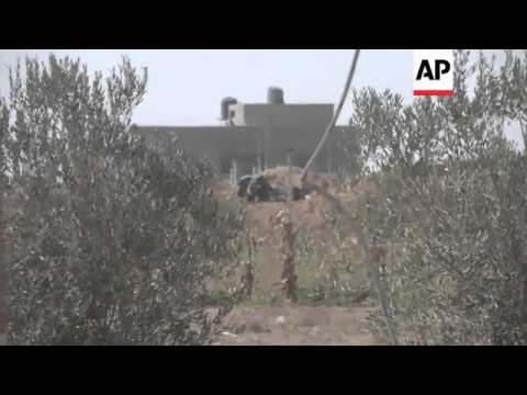 Tanks on streets during temporary truce; Israeli and Palestinian reax to ceasefire