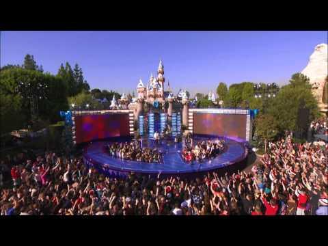 OneRepublic - Good Life (Christmas Day Parade) (HD)