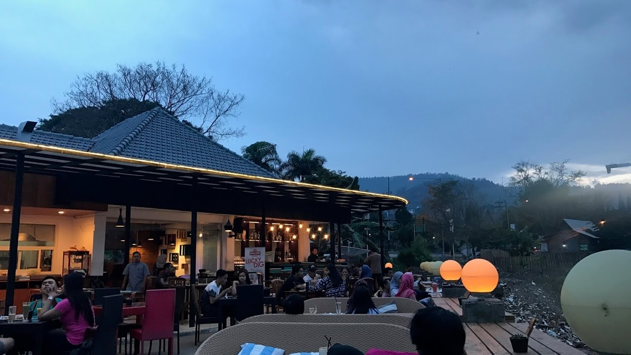 Cafe Pupuk Bawang Batu Malang Youtube