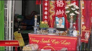 Video Việt Nam đình chỉ 5 công an Ninh Thuận nghi dùng nhục hình download MP3, 3GP, MP4, WEBM, AVI, FLV September 2018
