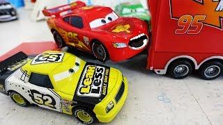 Мультики про Машинки ТАЧКИ 3 Молния Маквин Гонки и новые МАШИНКИ Disney CARS 3 Игрушки