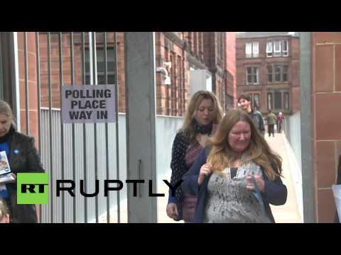 UK: Divided Scots queue for historic referendum opener