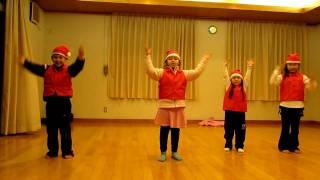 Crianças dançando musica de natal♥!!