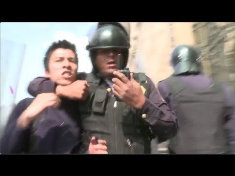 Mexico Police Repress Opponents of Neoliberal School Reform