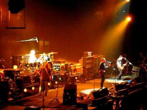 """Pickup Truck"" - Live, Kings of Leon, FedExForum Memphis TN, April 9 2011"