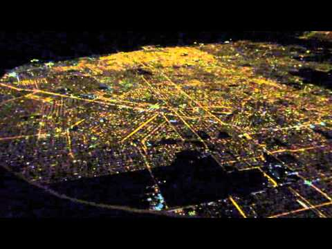 Baixar Night view of Buenos Aires shortly after takeoff from Ezeiza Airport, Argentina - May 24, 2015