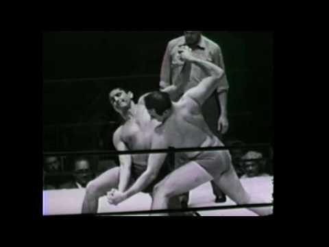 Leo Garibaldi vs Billy (Blassie) McDaniel 1950's Los Angeles professional wrestling